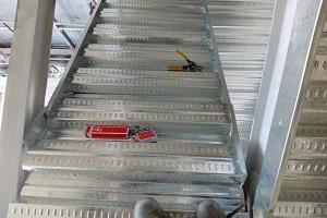 سوابق اجرایی عرشه فولادی